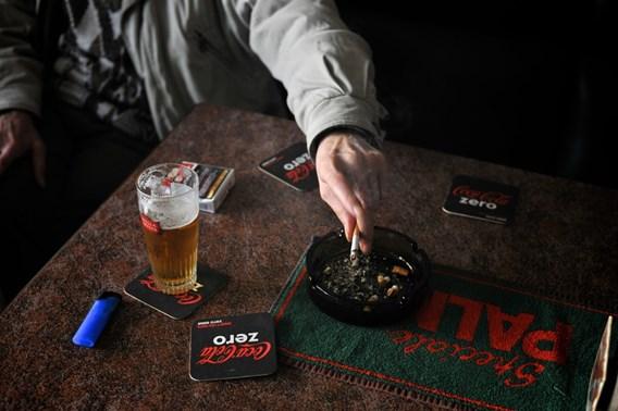 Rookverbod doet in twee jaar tijd 3000 cafés verdwijnen