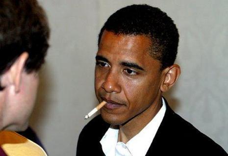 Obama rookt