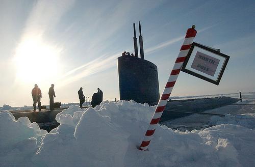 IJssmelt verandert richting draaias aarde (foto Le Monde)
